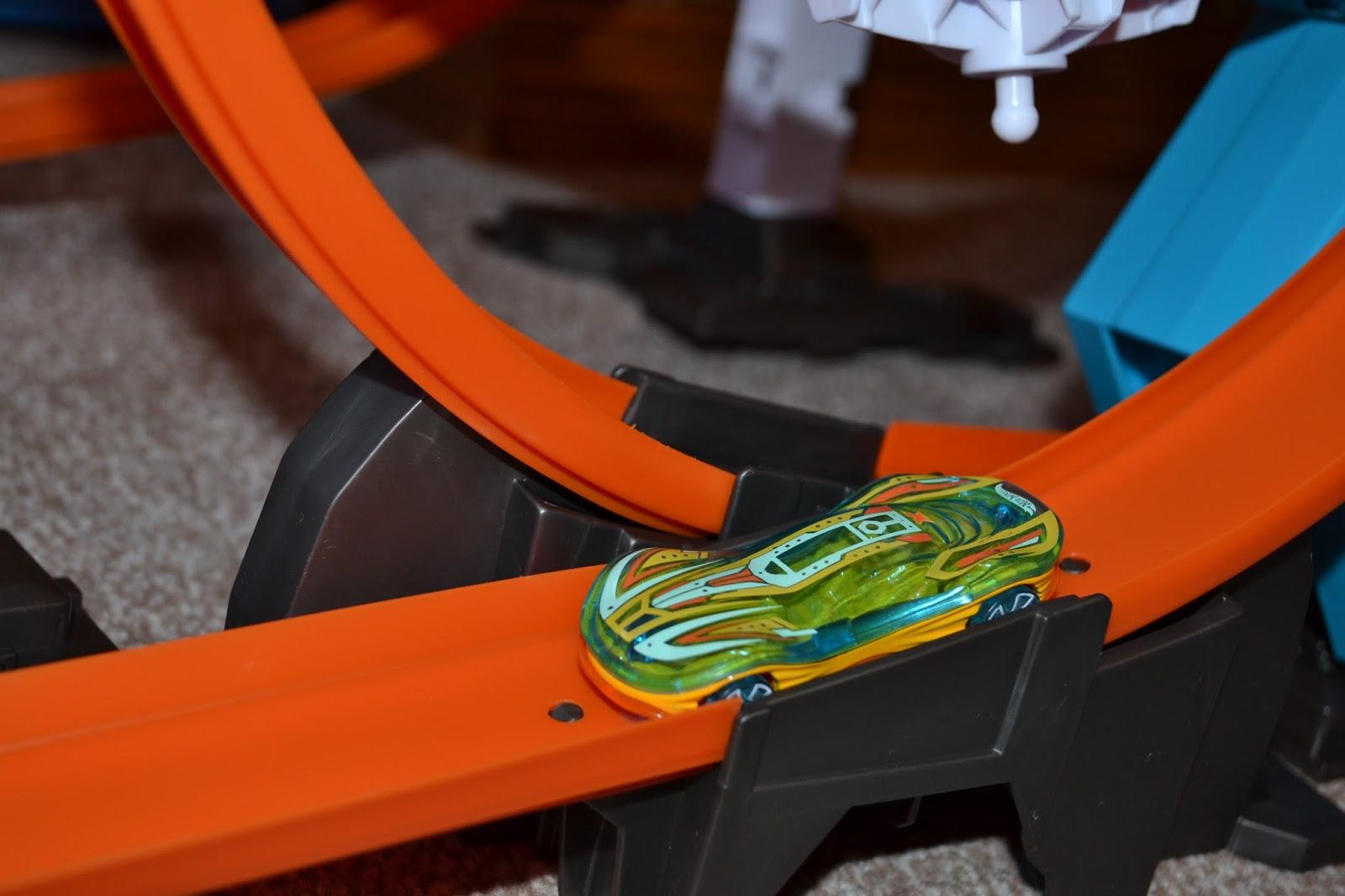 hot wheels power loop raceway instructions